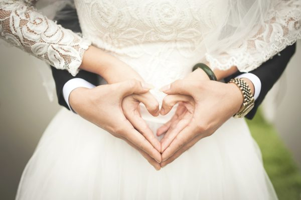 Das Knüllermarkt Dekoparadies feiert den Tag der Hochzeit