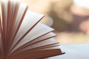 """Christine Westermann Lesung: """"Manchmal ist es federleicht – von kleinen und großen Abschieden"""""""